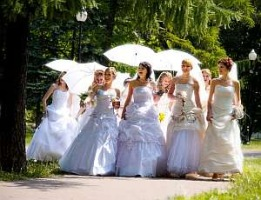 Парад невест в Донецке