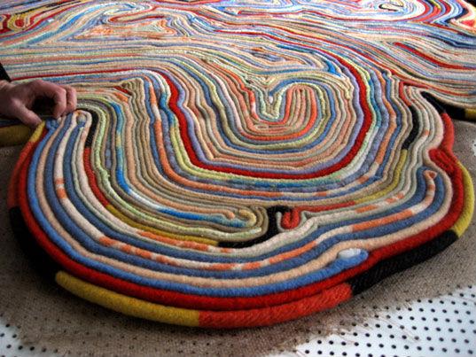 Ковёр из старых одеял. Из ненужного - нужное