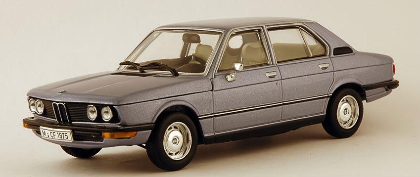 BMW 520i e12 Minichamps
