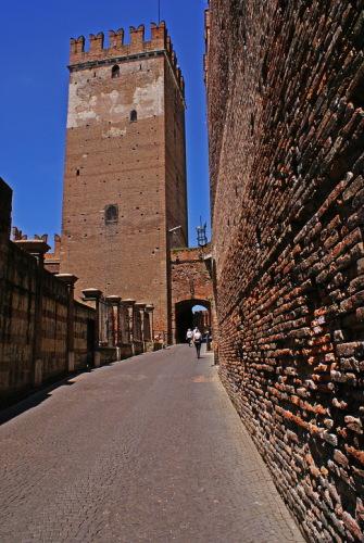 Италия, Верона. Замок Кастельвекио. Мост через Адидже.